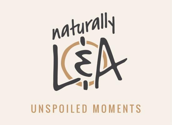 Naturally L&A Logo